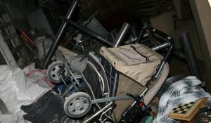 Къде да изхвърлим боклука от мазето и тавана?