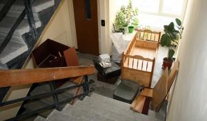 Безплатно или евтино изнасяне и изхвърляне на стари мебели