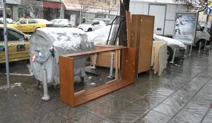 Изнасяне и извозване на мебели в София