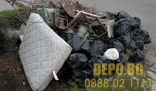 Изхвърляне на отпадъци от двор в София