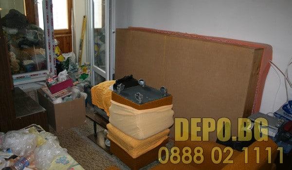 Изхвърляне на стари мебели с безплатен демонтаж
