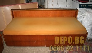 Депо за изхвърляне на стар матрак и легло