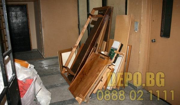 Извозване на стари мебели и демонтаж
