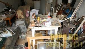 Изхвърляне на битови отпадъци от апартамент
