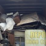 Депо за изхвърляне на ненужни мебели