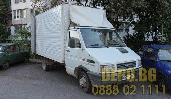 Извозване на стари шкафове с бус в София